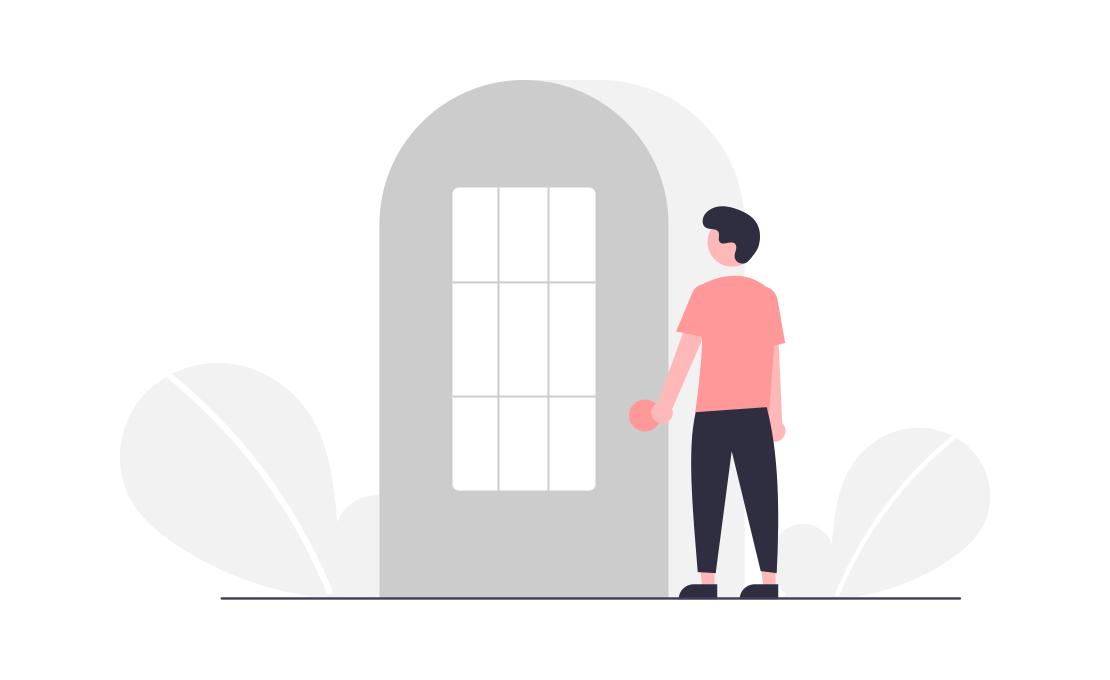 男性が玄関のドアを開けている